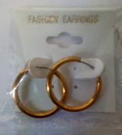 Gold tone small hoop earrings (Code 3017)